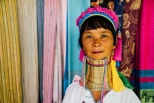 Thailand: long neck woman