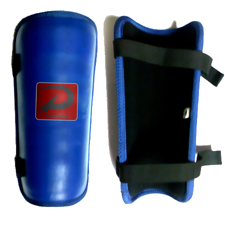 shin pads (shin guards)